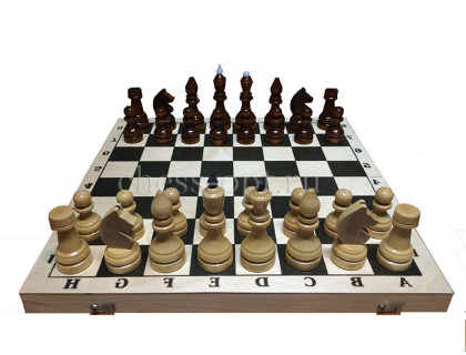 Гроссмейстерские шахматы в комплекте с доской